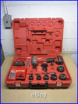 Milwaukee 2676-22 Forcelogic M18 18V Li-ion 10-Ton High Capacity Knockout Kit