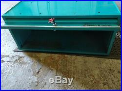 Snap-on Toolbox 73 inch wide 30 deep with top lockers in very rare Teal