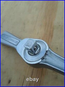 Vintage 1959 Craftsman Flying V 3/8 Drive Speed Spinner Ratchet =V= Series USA